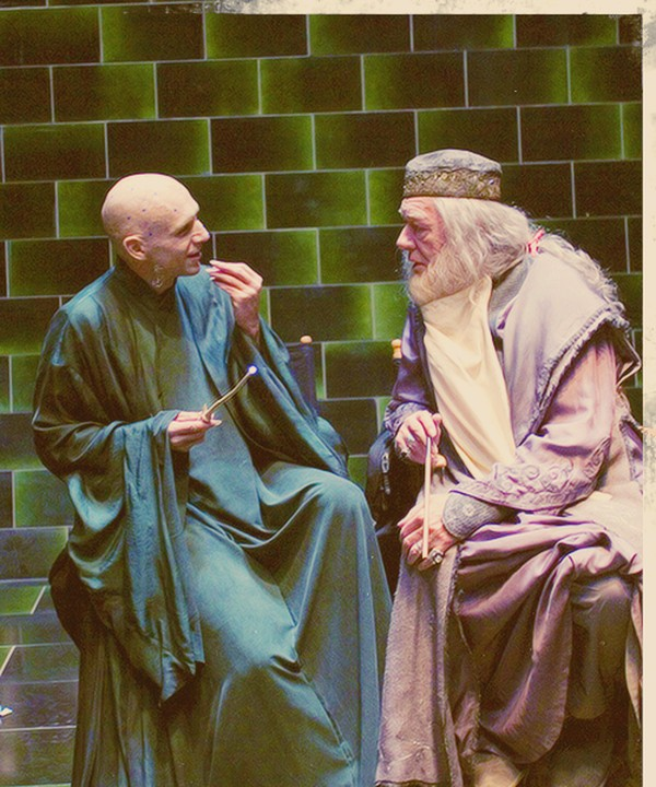 Voldemort Dumbledore having a chat
